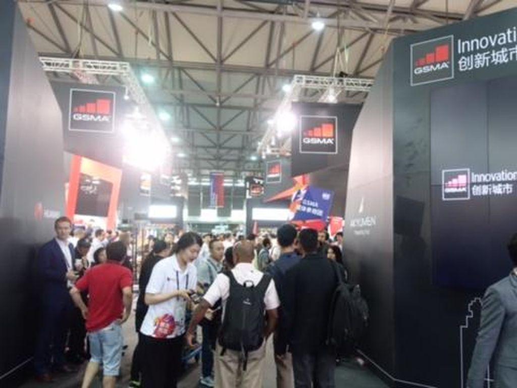 Ajang MWC Shanghai Dihantui Perang Teknologi AS vs China