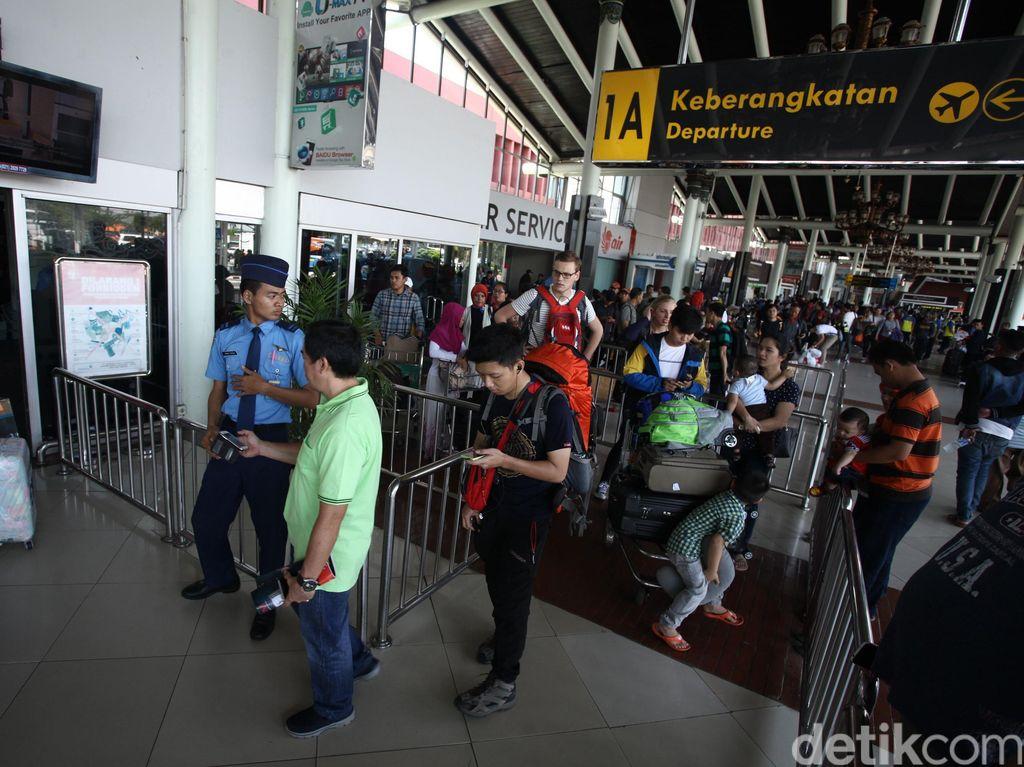 Tarif Batas Atas Pesawat Cuma Turun 15%, Pemudik Ganti Transportasi?
