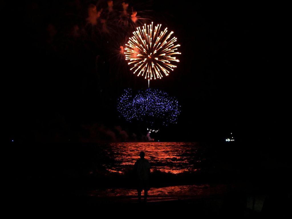 Kembang Api Sambut Hari Kemerdekaan AS