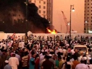 Tiga Bom Bunuh Diri Guncang Arab Saudi