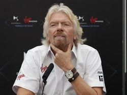 Live Streaming Richard Branson Salip Jeff Bezos ke Antariksa
