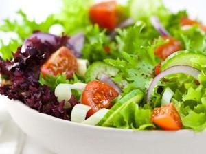 Racik Salad Kaya Nutrisi dan Rendah Lemak dengan Trik Ini (1)
