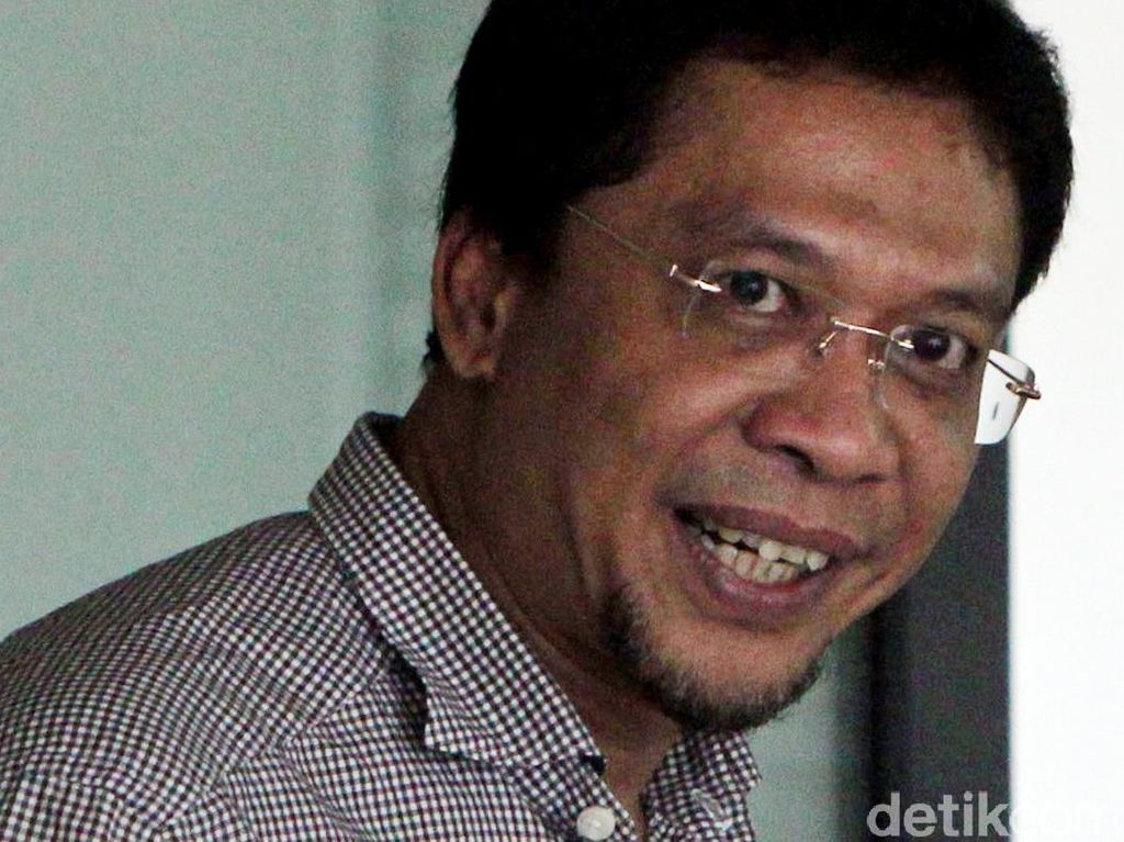KPK Lelang Belasan Perhiasan Fathanah dan Koruptor Dermaga Sabang