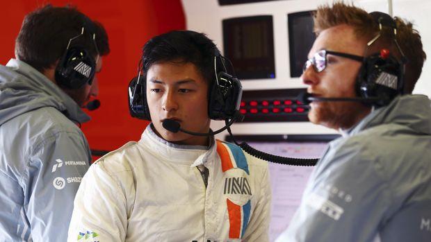 Rio Haryanto ingin kembali ke lintasan balap setelah setahun absen.