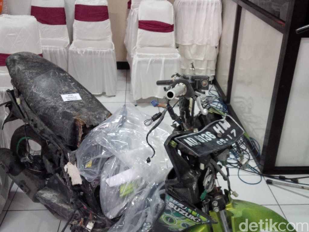 Polisi Tangkap Penyedia Motor Nur Rohman Pelaku Bom Bunuh Diri Solo