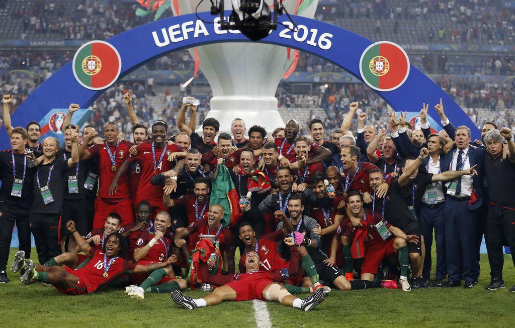 Football Soccer - Portugal v France - EURO 2016 - Final - Stade de France, Saint-Denis near Paris, France - 10/7/16France's Hugo Lloris and Adil Rami react after the gameREUTERS/Carl RecineLivepic
