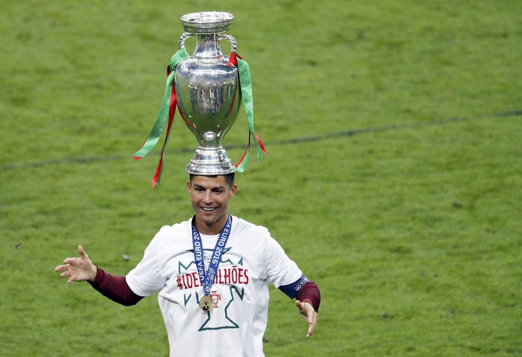 Cristiano Ronaldo yang punya banyak gelar dalam karirnya