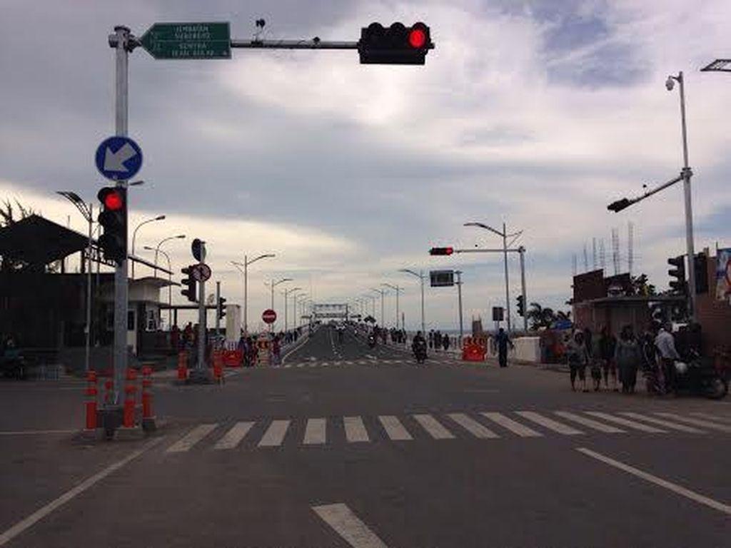 Jembatan Suroboyo Usai Dibuka Langsung Diserbu Warga