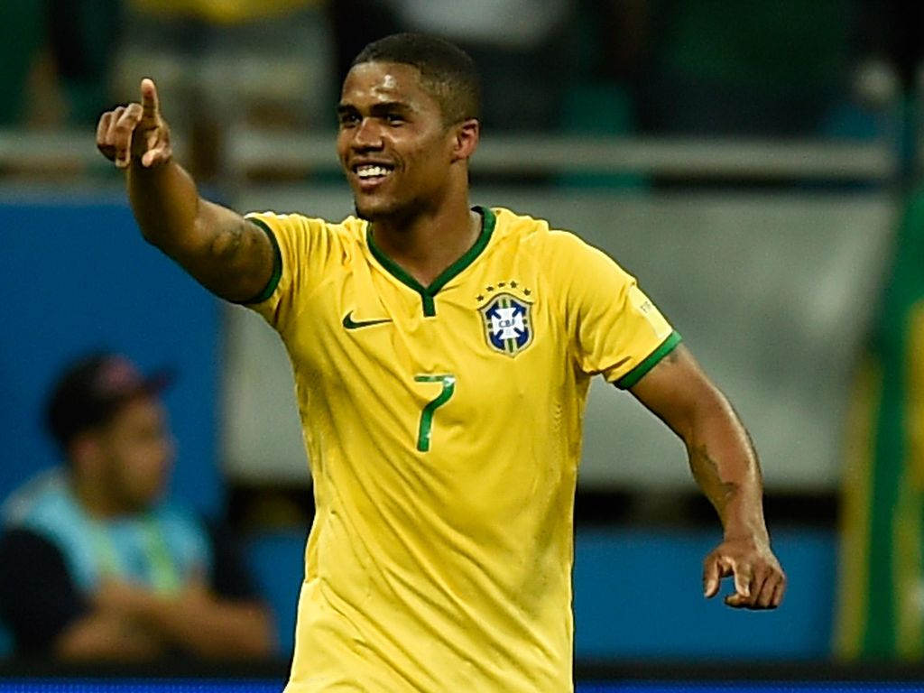 Cedera, Douglas Costa Batal Perkuat Brasil di Olimpiade