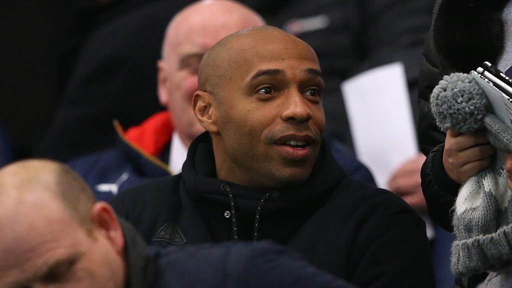 Disebut Akan Gantikan Wenger, Henry: Saya Masih Belajar Jadi Manajer