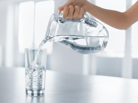 Dehidrasi mampu menjadikan sakit kepala.