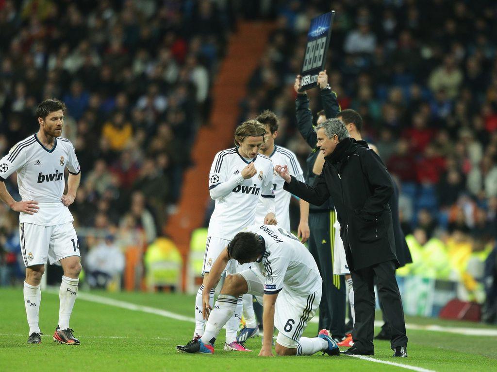 Raul: Mourinho Menciptakan Perpecahan di Madrid
