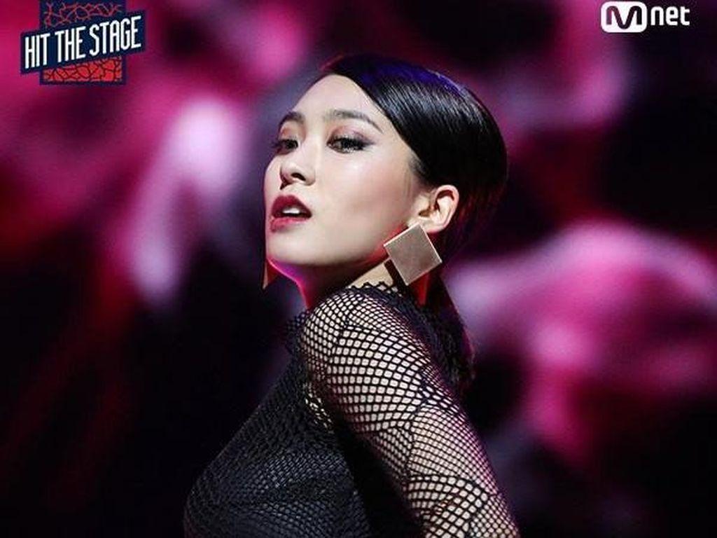 Netizen Tak Puas dengan Penampilan Dua Idola KPop di Cuplikan Hit The Stage