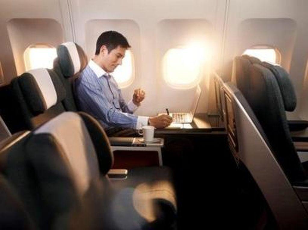 Cathay Pacific Bebaskan Penumpang Pakai Masker, Tapi Ada Syaratnya