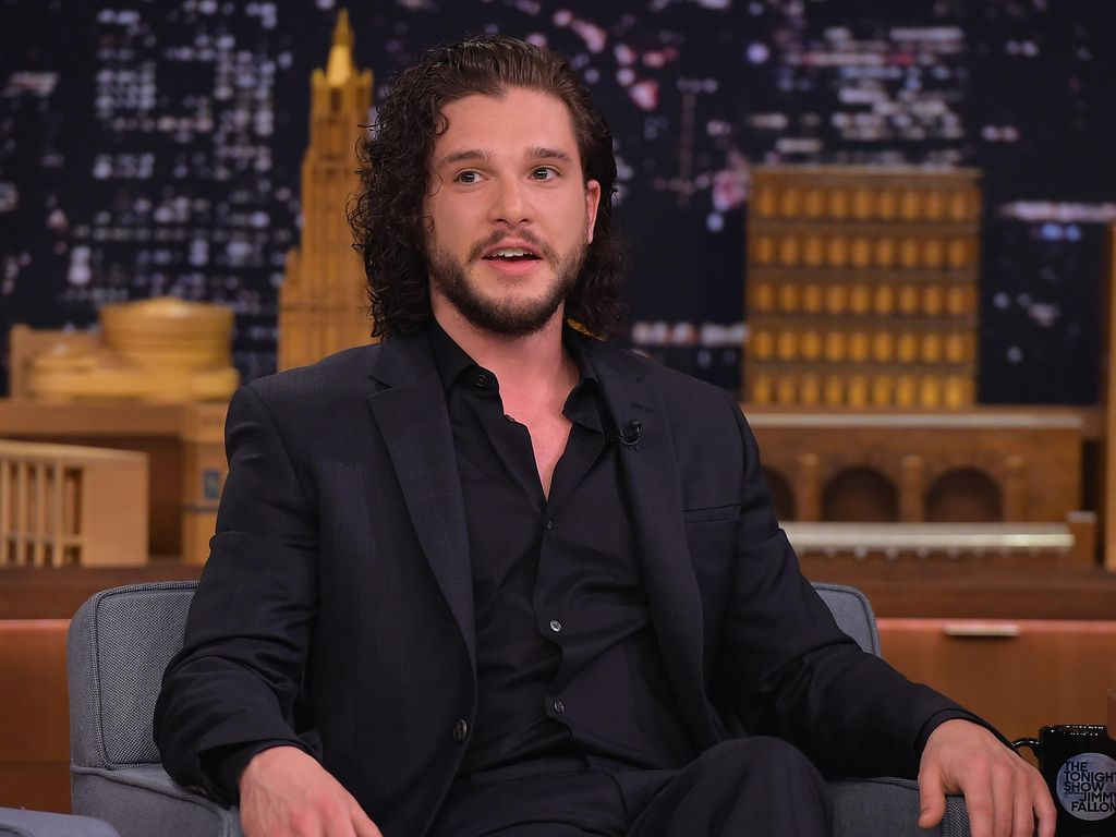Kit Harrington Bikin Fans Nangis!