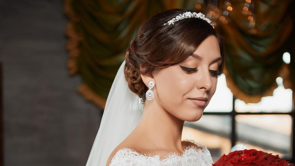 Ingin Merias Wajah Sendiri Saat Menikah? Perhatikan 6 Hal Ini