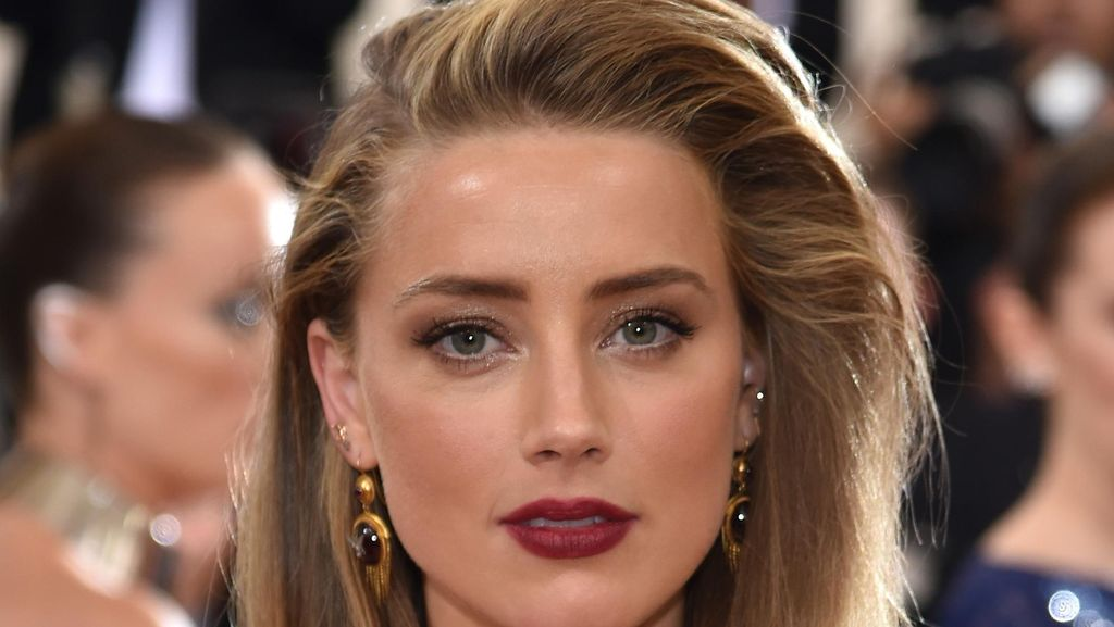Tolak Adegan Bugil, Amber Heard Dituntut