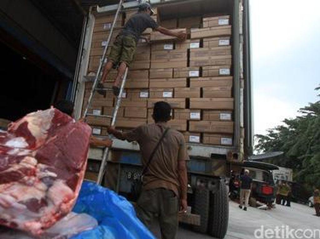 Bulog Pasok 35 Ton Daging Kerbau India ke Sumsel dan Babel