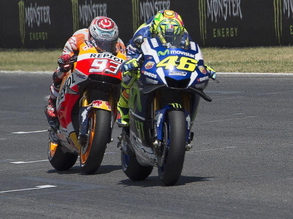 Bahas Hubungannya dengan Rossi, Marquez: Seperti Menari Salsa tapi Saling Injak Kaki