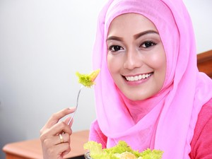 5 Kebiasaan Sehat yang Perlu Dijalani Selama Puasa Ramadan