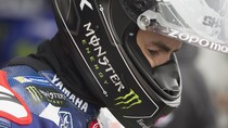 Lorenzo Cari Cara Taklukkan Ban Michelin di Balapan Basah