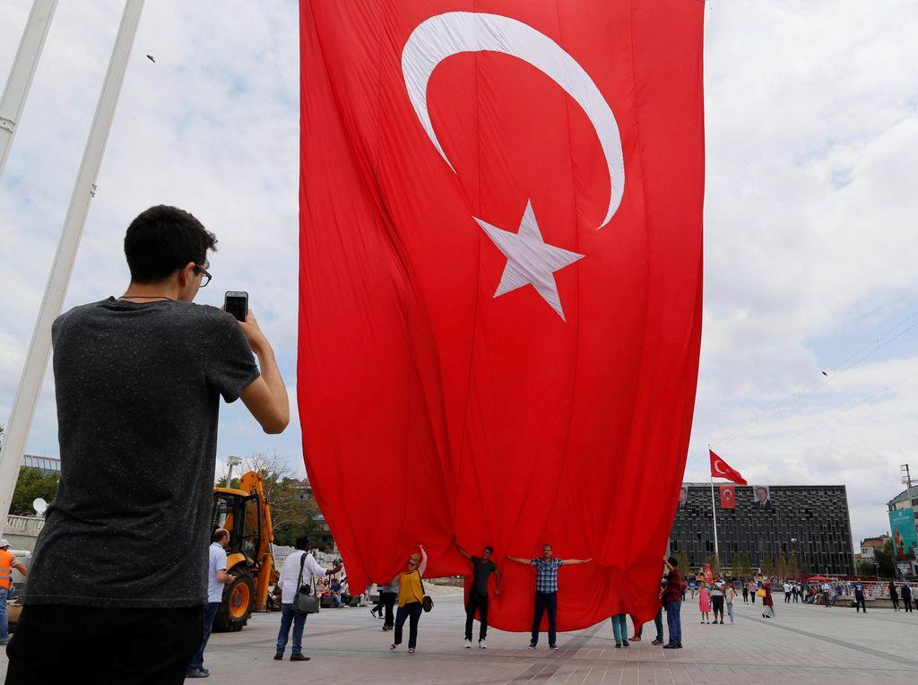 Turki Sebut UEA Munafik karena Normalisasi Hubungan dengan Israel