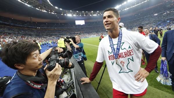 Madrid Juara, Ronaldo Merayakan Dari Jauh