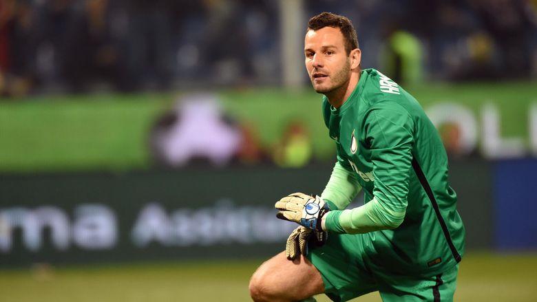 Handanovic yang Pastikan Akan Tetap Bertahan di Inter
