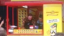 Ketika Perdana Menteri Selandia Baru Meracik Kebab di Surabaya