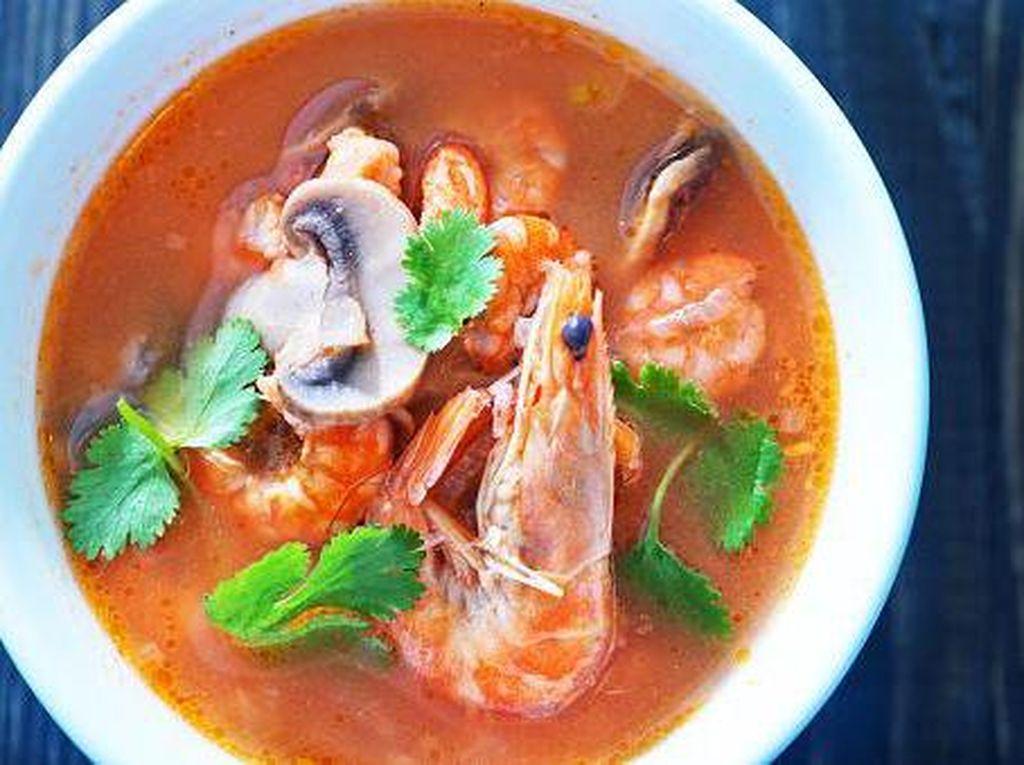 Masak Apa Hari Ini : Tom Yam dan Pad Thai yang Asam Pedas