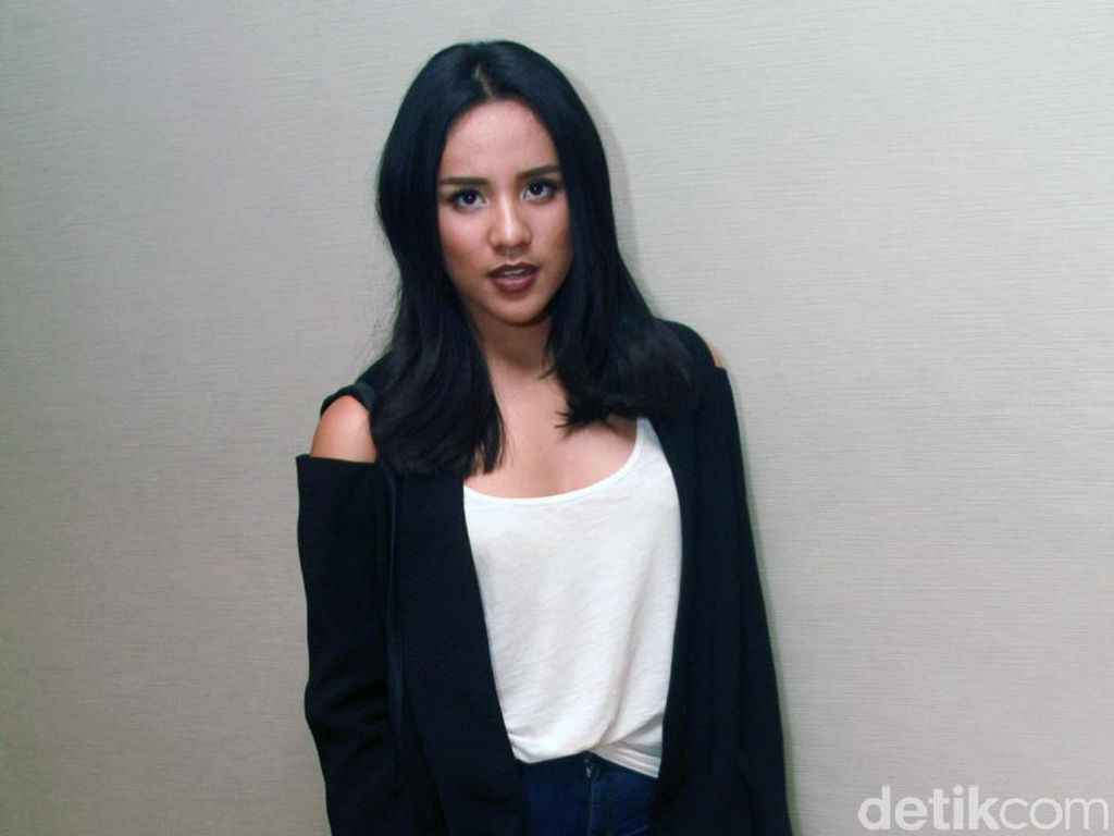 Angel Pieters Serius Garap Album Perdana