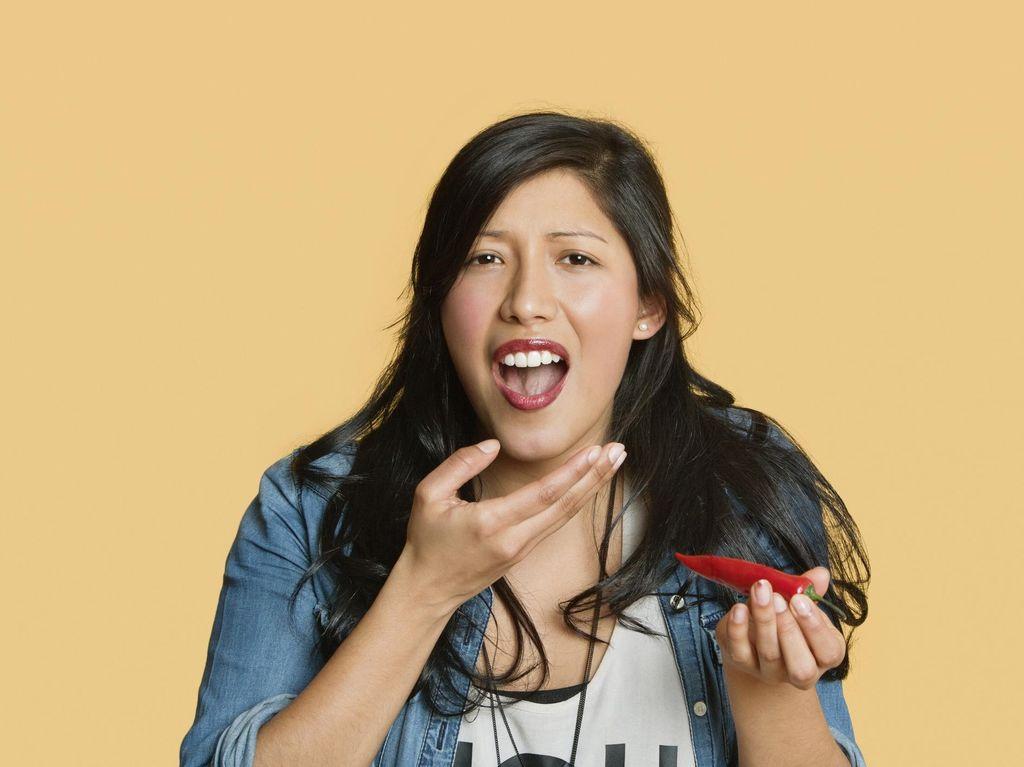Video: Makanan Super Pedas, Bahaya Nggak Sih?