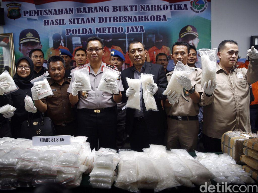 Polisi Musnahkan Barbuk Sabu dan Ganja