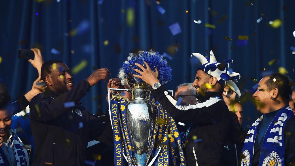 Momen Terlucu Mahrez Musim Lalu: Spurs Terpeleset dan Leicester Jadi Juara