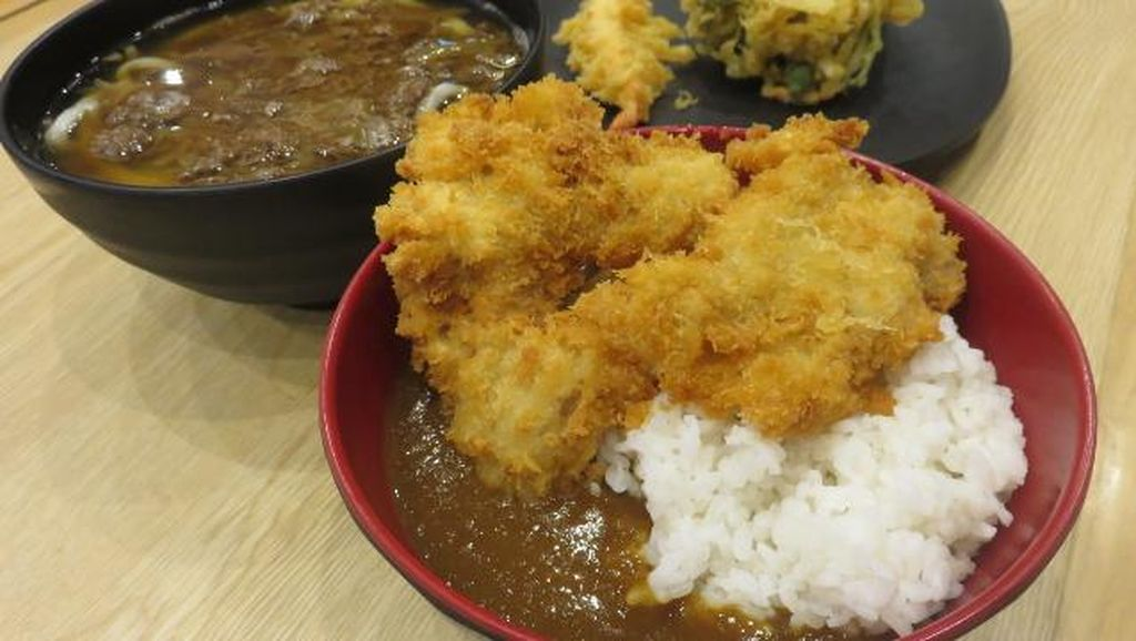Sedapnya Chicken Katsu Curry Don dan Niku Udon Khas Fukuoka