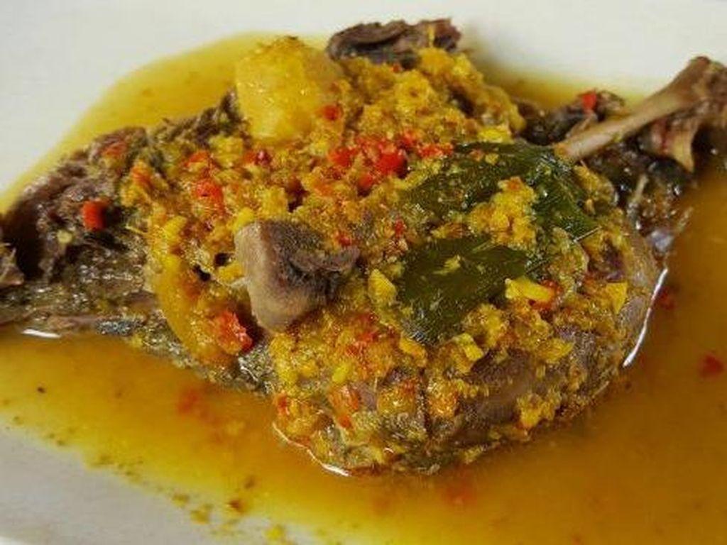 Resep Ayam Betutu, Kuliner Khas Bali yang Kaya Bumbu