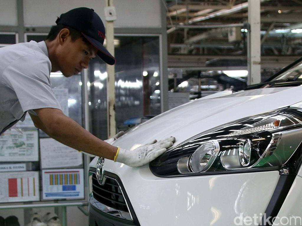 Penjualan Mobil Merek Jepang Turun 21,3%