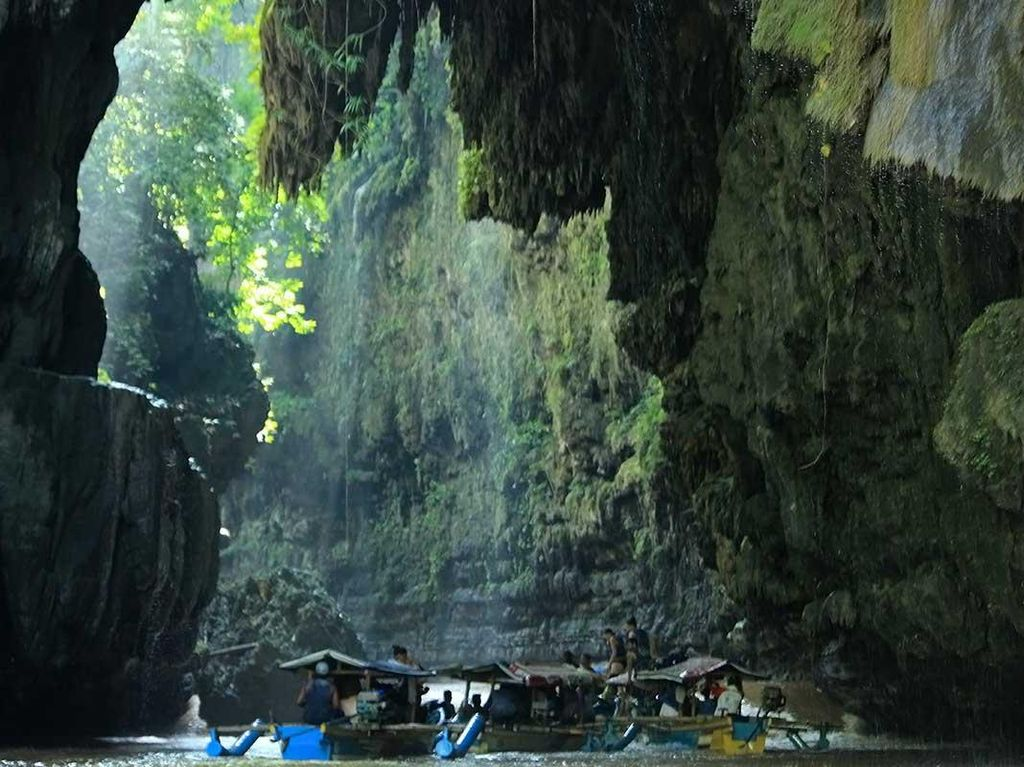 Green Canyon Pangandaran, Wisata Main Air yang Seru di Jawa Barat