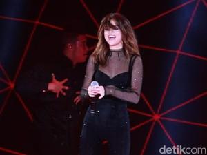Selena Gomez Dinilai Terlalu Seksi untuk Konser di Malaysia