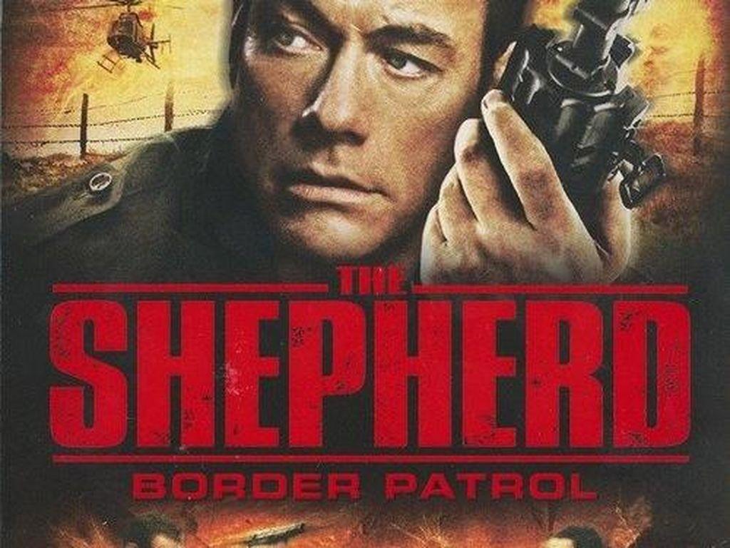 Menyaksikan Van Damme Hadapi Mafia di Bioskop Trans TV