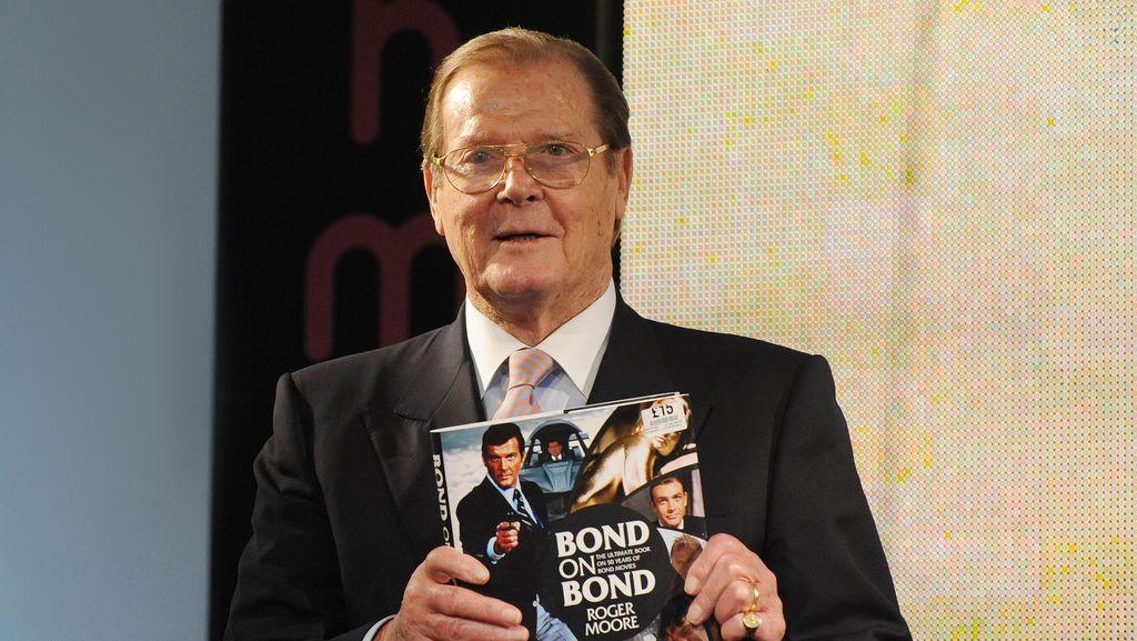 Ini Deretan Film James Bond yang Dibintangi Roger Moore