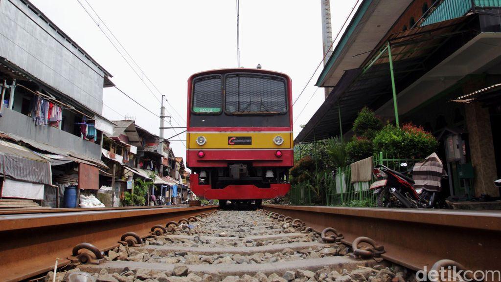 Ada Gangguan Listrik, KRL Bogor-Kota Cuma Sampai Manggarai