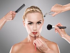 Hiii... Kuas Makeup Tak Pernah Dibersihkan Bisa Sebarkan Virus dan Jamur
