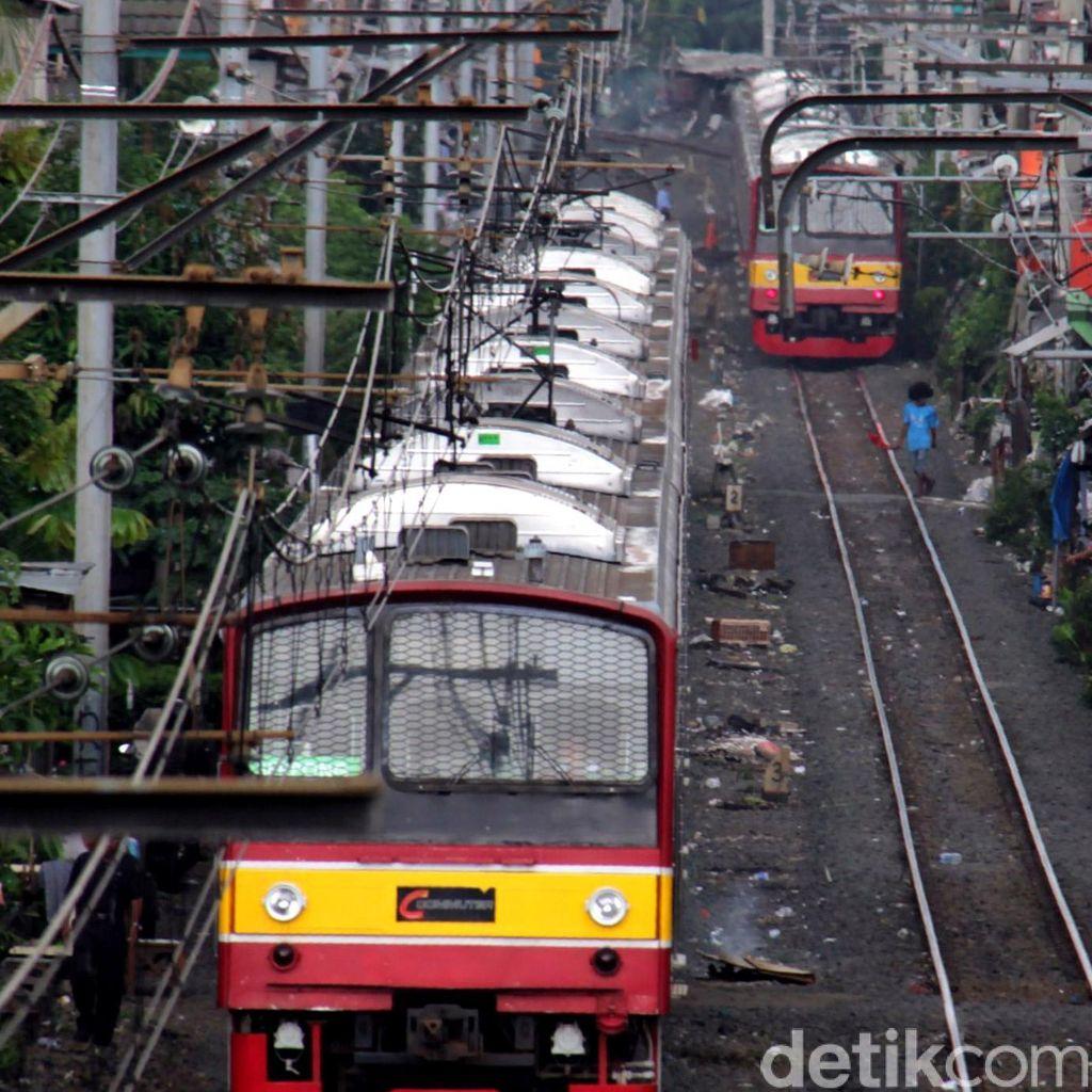 Ada Rel Retak di Cipinang-Jatinegara, Perjalanan KRL Tak Terganggu