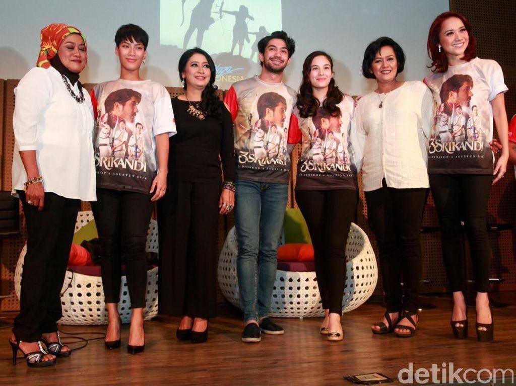 Reza Rahadian hingga Bunga Citra Lestari Sumringah di Premiere 3 Srikandi
