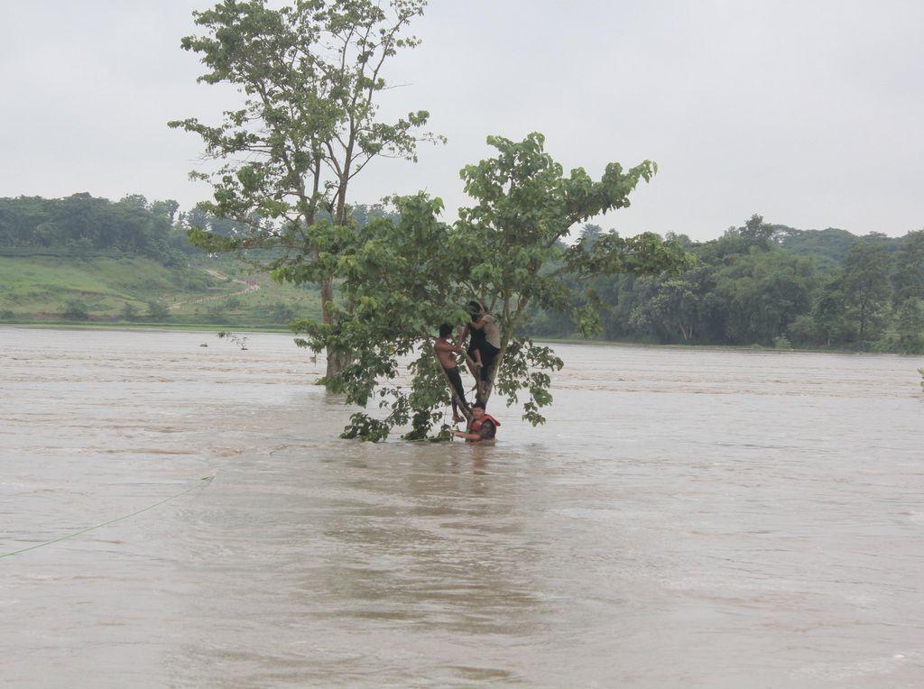 Banjir Tewaskan 58 Orang di Nepal, 1 Juta Warga di India Mengungsi