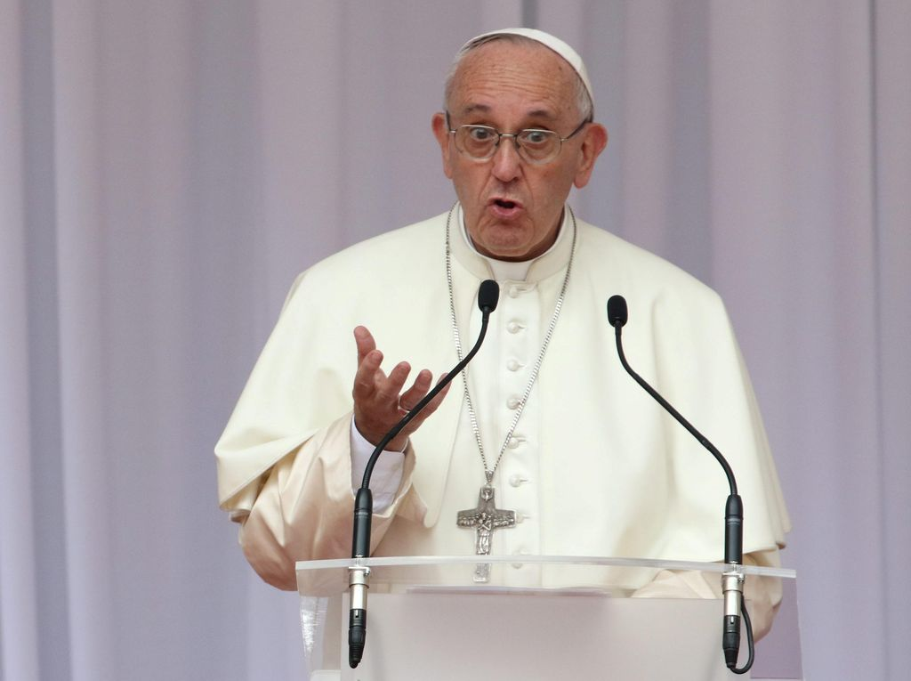 Dua Bekas Biarawati Menikah di Italia, Paus Fransiskus Bersedih