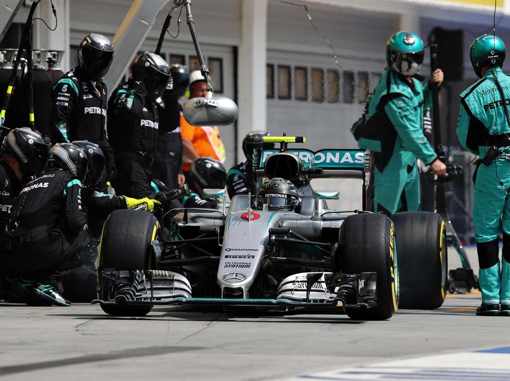 Musim Belum Selesai, Mercedes Tak Mau Terlena