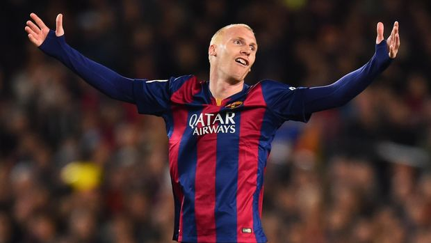BARCELONA, SPAIN - MARCH 22:  Jeremy Mathieu of Barcelona reacts during the La Liga match between FC Barcelona and Real Madrid CF at Camp Nou on March 22, 2015 in Barcelona, Spain.  (Photo by Alex Caparros/Getty Images)