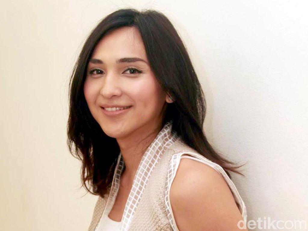 Video 5 Selebriti Cantik Indonesia yang Dulunya Cowok